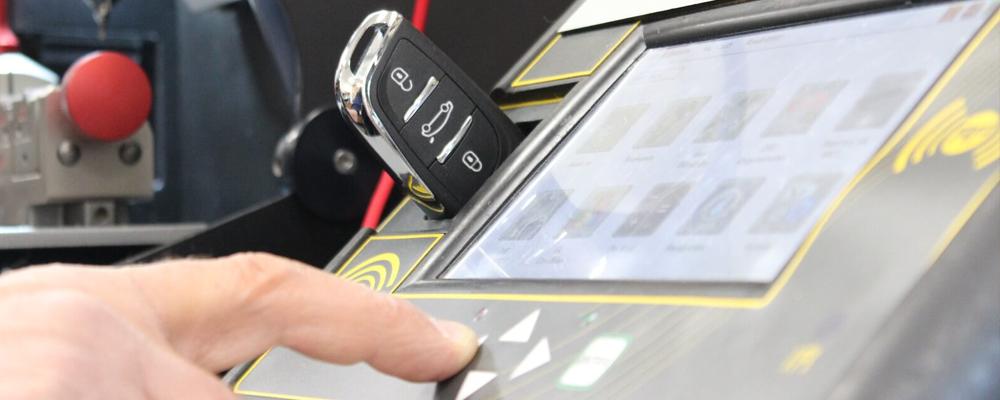 O-Keys Schlüsseldienst - Autoschlüssel Codierung